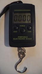 Портативные электронные весы,  диапазон измерений от 0.02 до 40 кг.